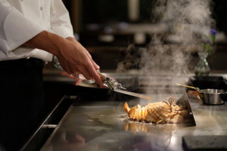 Re_Omoto-Teppenyaki-Restaurant02.jpg
